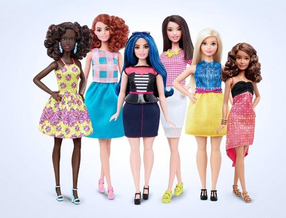 (Novos modelos de bonecas Barbie, da Mattel, em três formatos diferentes de corpo)