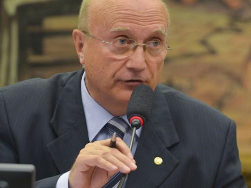 Brasília - O deputado Osmar Serraglio preside reunião da Comissão de Constituição e Justiça (CCJ) (José Cruz/Agência Brasil)