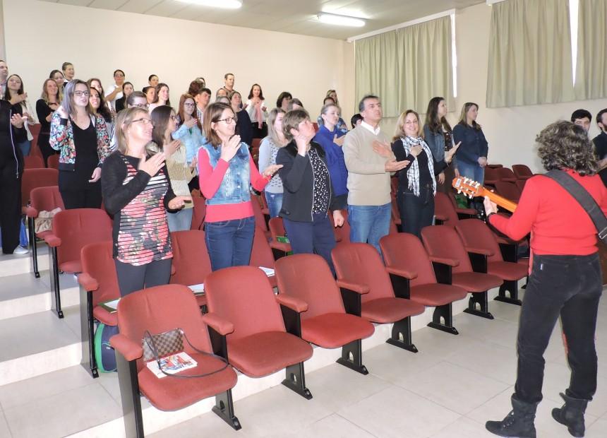 Foto 2 - Workshop sobre Musicoterapia e Autismo foi realizado na URI Erechim