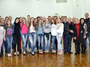 Debutantes, pais e pares com integrantes da Diretoria Social do CER Atlântico