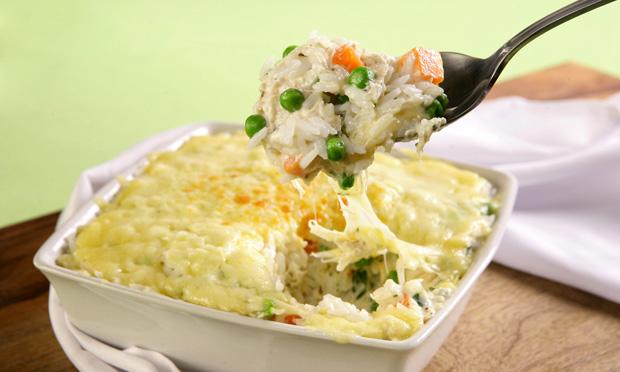 receita-arroz-de-forno-com-legumes-e-queijo