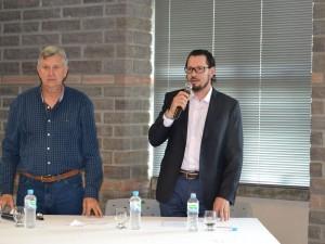 Presidente da ACCIE, Fábio Vendruscolo, ao lado do deputado federal Luis Carlos Heinze