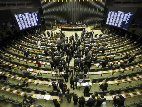 Brasília - O Congresso Nacional realiza análise e votação de cinco vetos presidenciais que trancam a pauta (Marcelo Camargo/Agência Brasil)