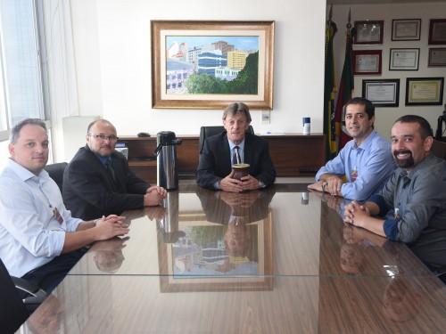 Rafael Ayub Ilgue Rossetto e funcionários