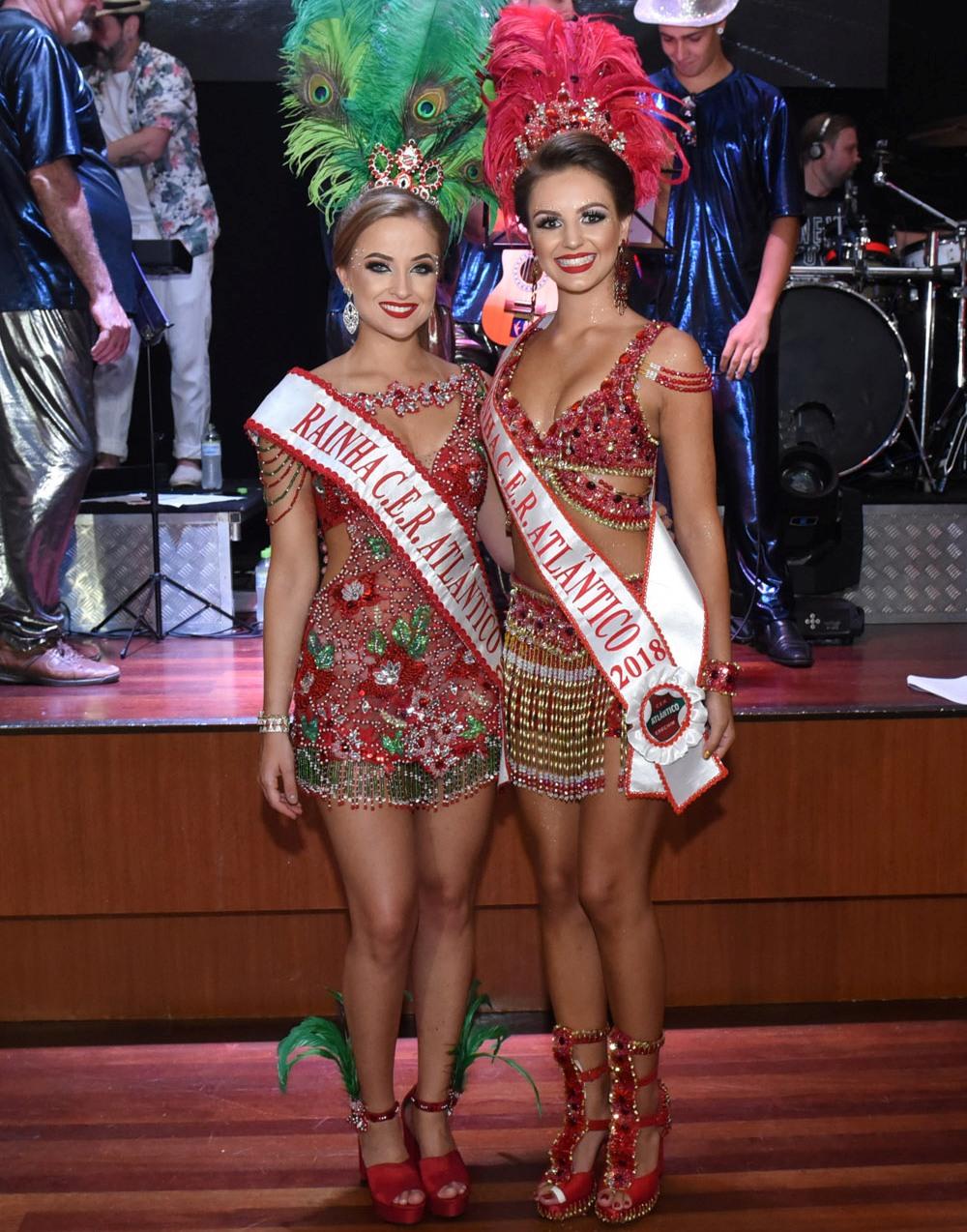 Rainhas Naíra e Amanda