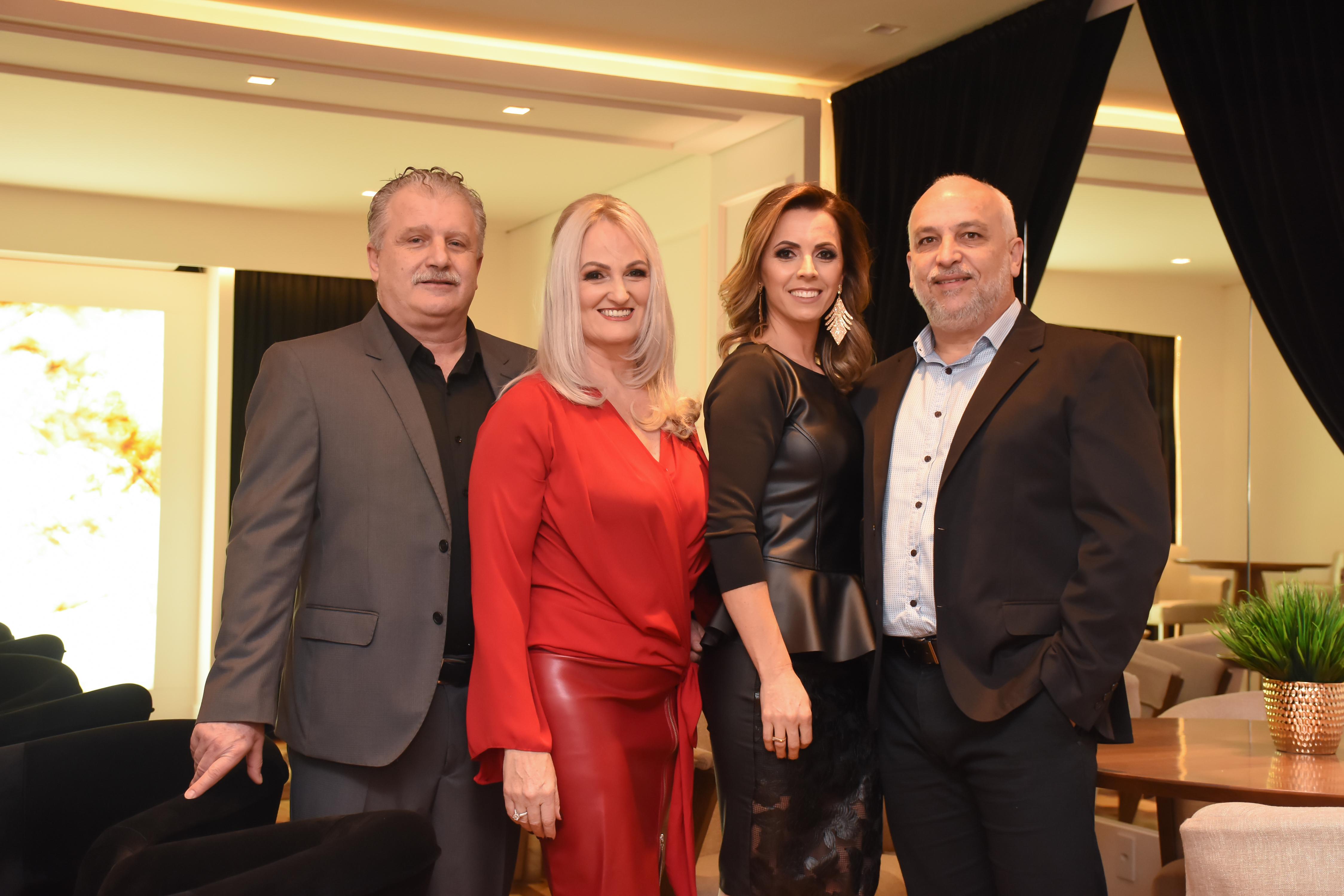 Casal Presidente Luis e Katiamara Badalotti com Magda e Luis Carlos Zago