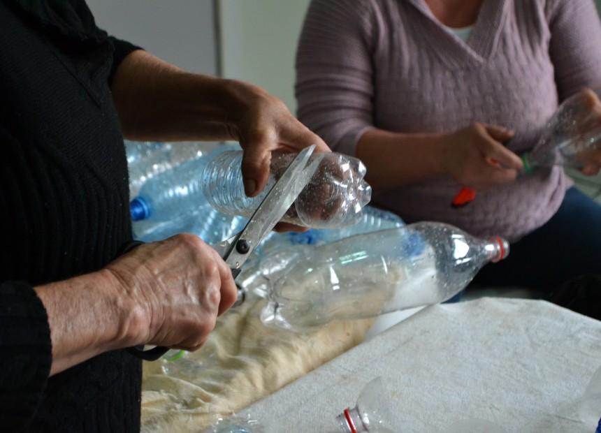 Charrua inicia produção de enfeites natalinos