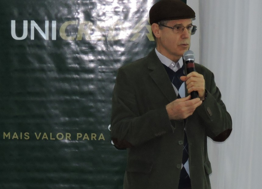 Foto 1 - Presidente%2c Antônio Gabriel Teixeira%2c deu as boas-vindas aos convidados