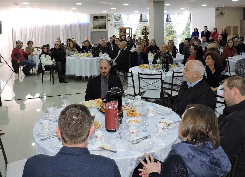 Foto 2 - Diretora-geral Vania Bez Balestrin observou a importância da informação para a realização de bons negócios
