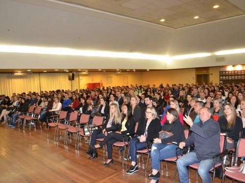 Mais de 400 pessoas assistiram a palestra