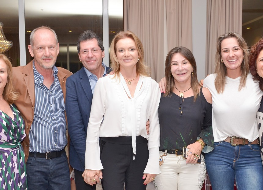 2 - Elaine e Euclides Viero, Mario e Rose Cavaletti, Maristela e Claudia Vedana e Hedi Cavaletti