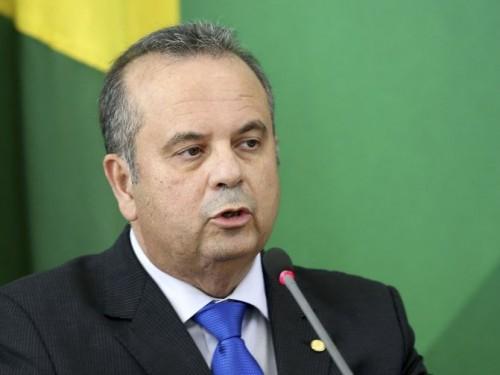O secretário de Previdência do Ministério da Economia, Rogério Marinho, falam à imprensa após assinatura da MP Antifraude
