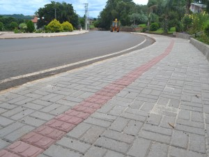 Programa 'Cidade em Ação' segue incentivando construção de passeios em Charrua
