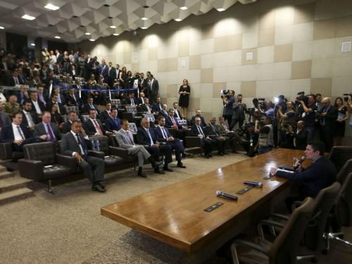 O ministro da Justiça e Segurança Pública, Sergio Moro, se reúne com governadores e secretários estaduais de Segurança Pública para apresentar o Projeto de Lei Anticrime.