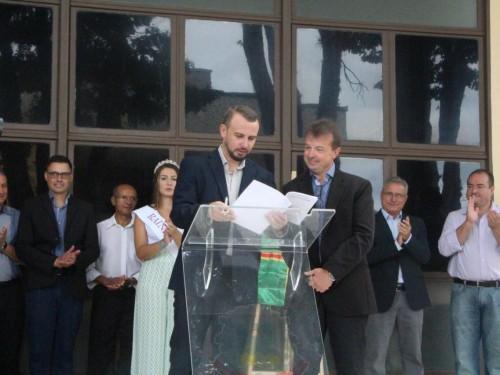 Assinatura convênio em Andradas