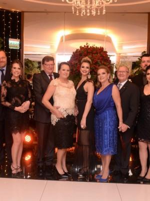 Comendadores 2019 com Casal presidente e casal diretor social