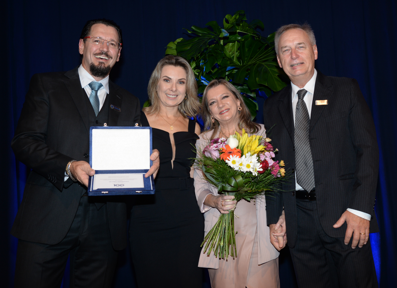 Fábio e LIsiane Vendruscolo com Cristina e Roland Koller
