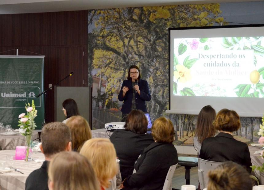 Palestra sobre Saúde da Mulher com a ginecologista Ana Beatriz Cosel Zampieri