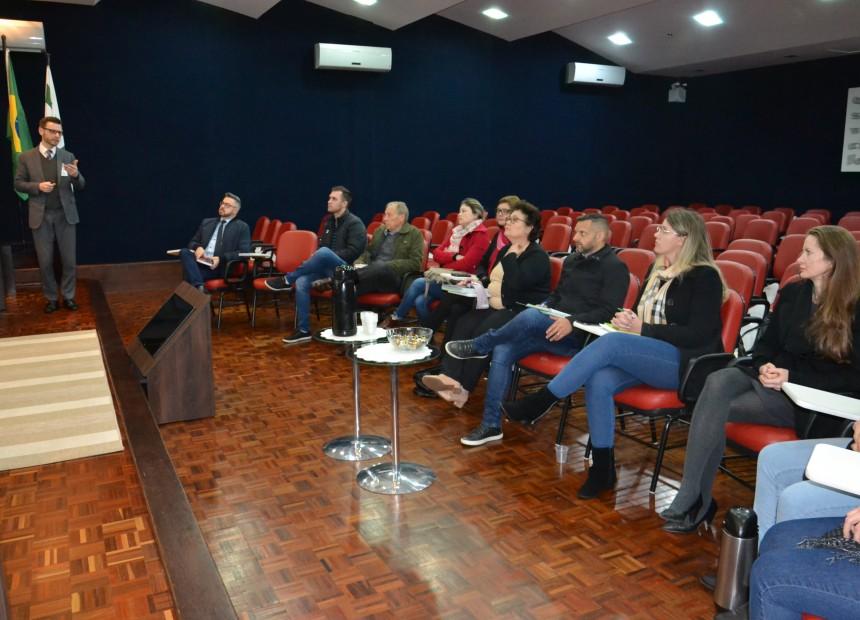 Contador Éder Spitcza apresentou os relatórios (1)