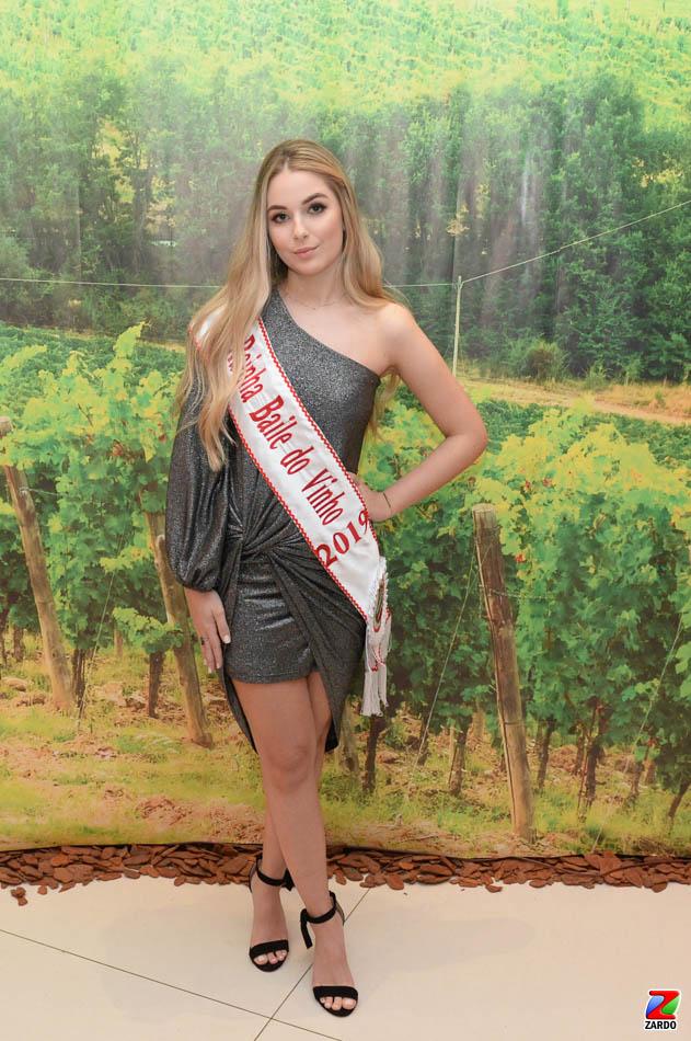 Rainha do Baile do Vinho 2019, Isadora Tonin (2)