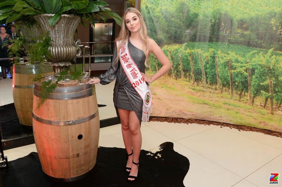 Rainha do Baile do Vinho 2019, Isadora Tonin (4)