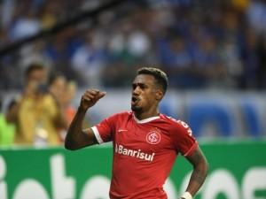 Edenilson é dúvida, mas pode ser surpresa no confronto entre Inter e Flamengo