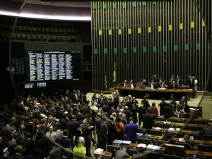 O Plenário da Câmara dos Deputads, começa a votar os destaques da Medida Provisória 881/19, que estabelece garantias para a atividade econômica de livre mercado, impõe restrições ao poder regulatório do Estado, cria direitos de liberdade econômica e regula a atuação do Fisco federal.