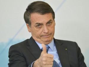 O presidente Jair Bolsonaro durante solenidade de Celebração do Dia Internacional da Juventude, no Palácio do Planalto. (Foto: Marcelo Camargo/Agência Brasil)