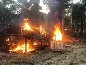 A 17ª Brigada de Infantaria de Selva, com a participação de Órgãos Estaduais e Federais, no contexto da Operação (Op) de Garantia da Lei e da Ordem (GLO) VERDE BRASIL/17, realizou ação repressiva contra garimpos ilegais na região da Unidade de Conservação (UC) Campos Amazônicos, no sul do Estado do Amazonas.