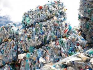lixo reciclável plástico