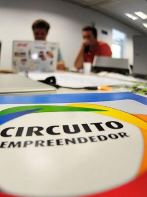 Brasília - Startup Weekend Brasília, evento promovido pelo Sebrae, une empreendedores, desenvolvedores, designers e entusiastas para compartilhar idéias, formar equipes e criar startups (Marcelo Camargo/Agência Brasil)