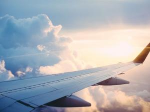 avião voo aeroporto viagem