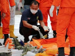 2021-01-10t110744z_1148102407_rc2z4l98gshf_rtrmadp_3_indonesia-crash