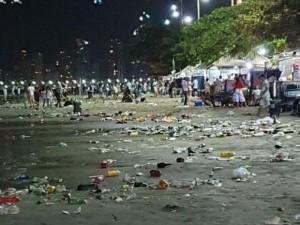 praia central lixo ano novo_2